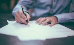 ¿Tengo indemnización por despido y derecho a paro?